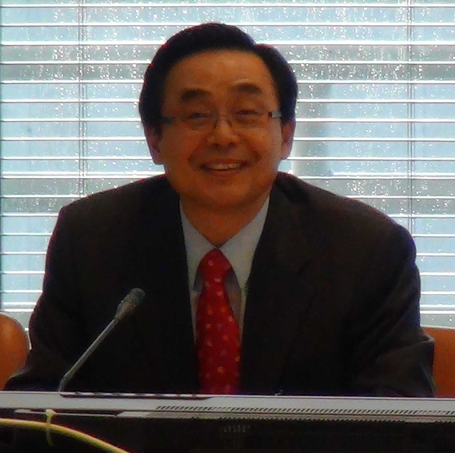 Dr Yong Cheon Song